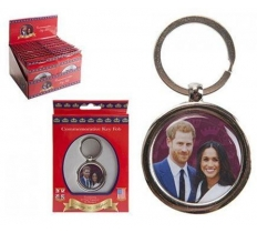 ROYAL WEDDING COUPLE OVAL METAL KEYFOB
